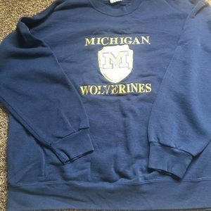 Tops - Michigan Wolverines sweatshirt